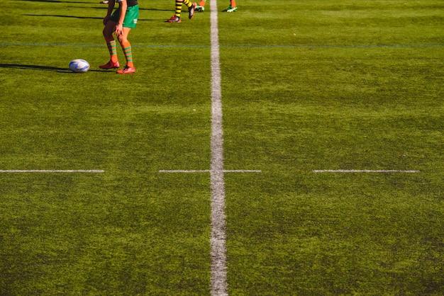 Joueurs de rugby pendant un match.