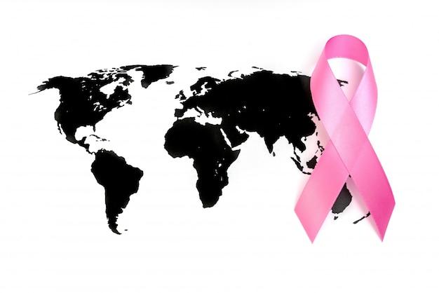 Jour du cancer du monde: breast cancer awareness ribbon sur la carte du monde.
