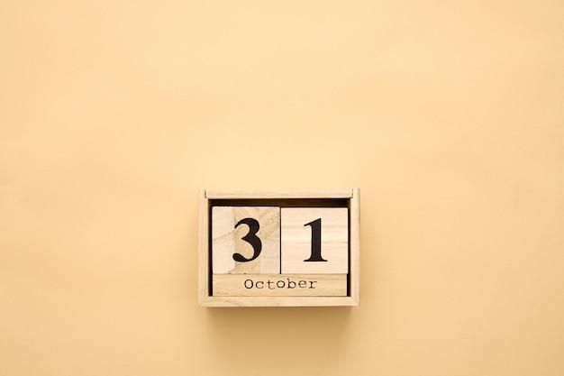 Jour d'halloween 31 octobre dans le calendrier en bois