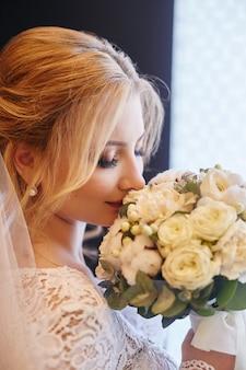 Jour de mariage parfait de femme mariée, portrait