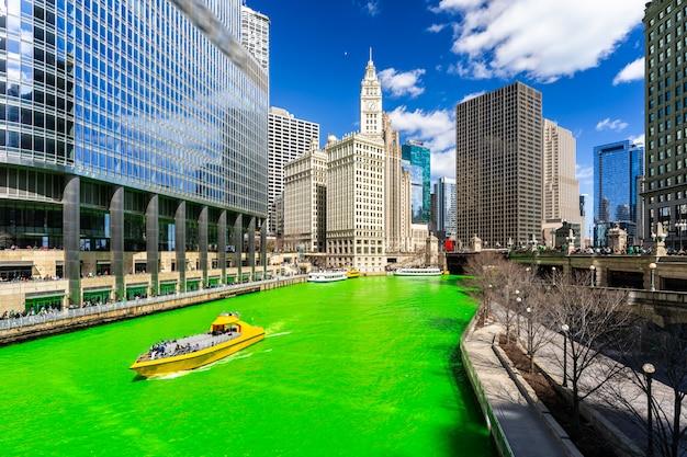 Jour de la teinture de la rivière chicago st 'partick.