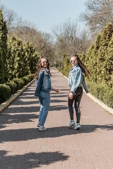Journée de l'amitié style de vie des filles meilleures amies