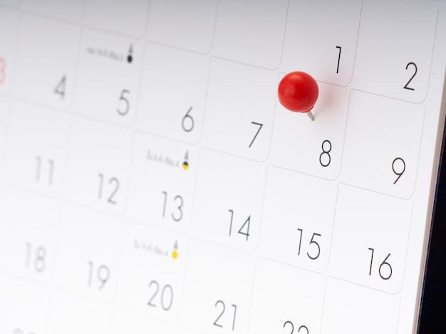 Journée de la femme au calendrier avec une épingle rouge.