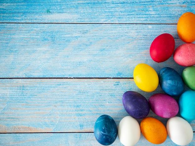 Joyeuses pâques et fond de printemps