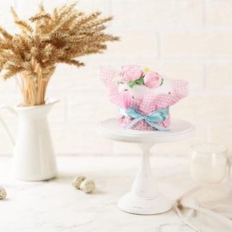 Joyeuses pâques, gâteau et décoration