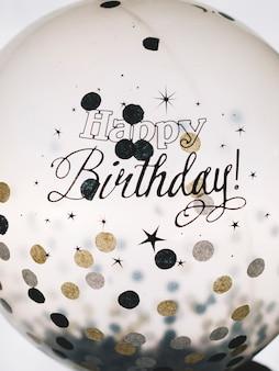 Joyeux anniversaire mots sur ballon
