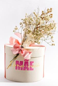 Joyeux cadeau de fête des mères. boite écrite