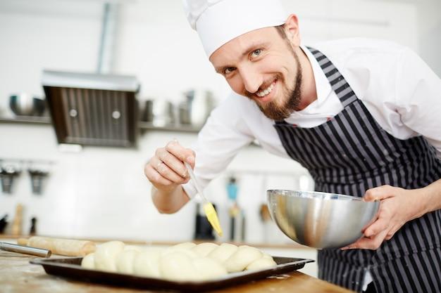 Joyeux chef pâtissier