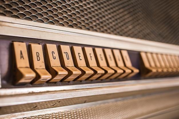 Jukebox à bouton-poussoir