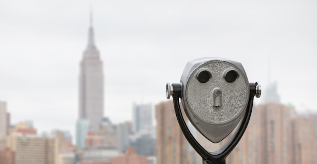 Jumelles et new york city manhattan skyline