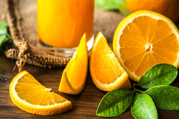 Jus d'orange fraîchement pressé