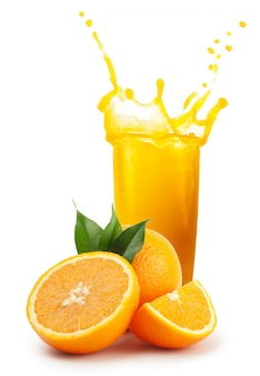 Jus d'orange frais et oranges