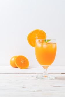 Jus d'orange avec glace