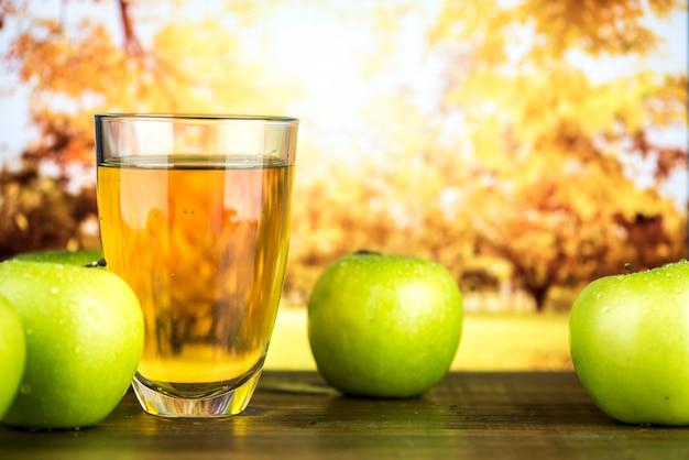 Jus de pomme vert bio frais