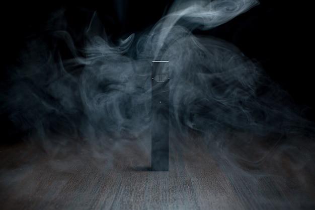 Juul e-cigarette vaporisateur de nicotine en stick et dosettes