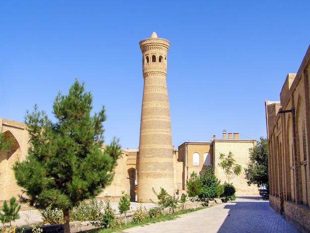 Kalyan minaret du complexe de la mosquée poi-kalyan à boukhara