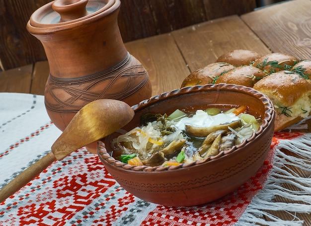 Kapustnica - soupe de choucroute de noël traditionnelle slovaque