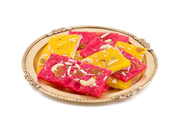 Karachi halwa ou dessert turc, à base de farine fine et de fruits secs