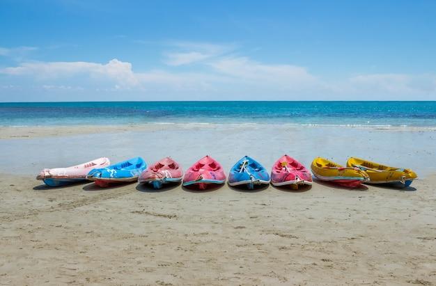 Kayak sur la plage.
