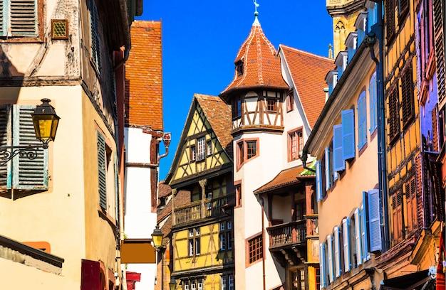 Kaysersberg - l'un des plus beaux villages traditionnels de france, région alsace