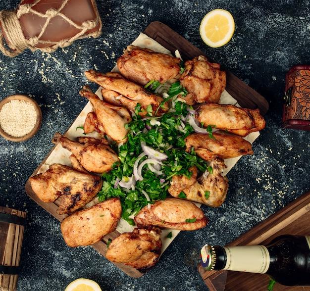 Kebab de poulet frit