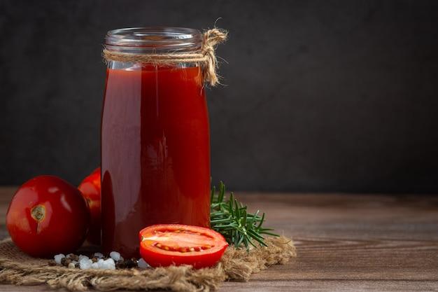 Ketchup ou sauce tomate à la tomate fraîche