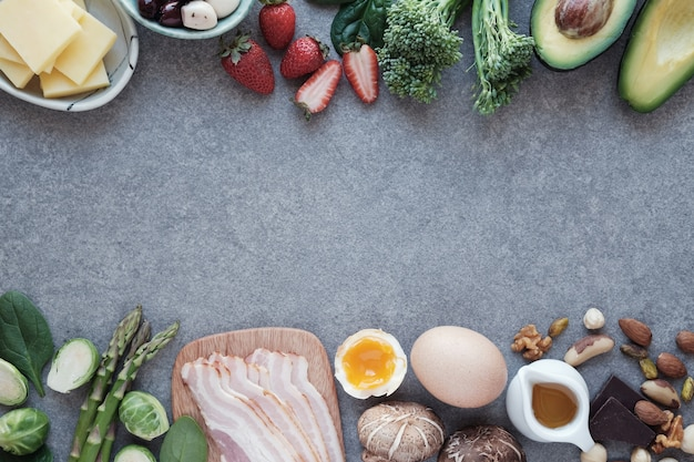 Keto, régime cétogène, faible teneur en glucides, aliments sains