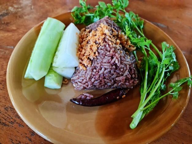 Khao kan jin est un plat traditionnel thaïlandais du nord