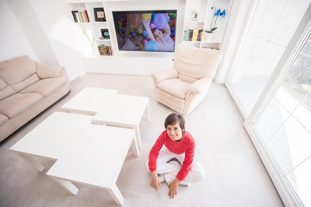 Kid dans le salon