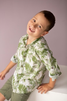 Kid smiley coup moyen posant