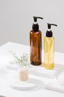 Kit spa. shampooing, savon et liquide. gel douche. sel d'aromathérapie