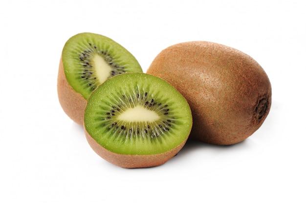 Kiwi frais isolé