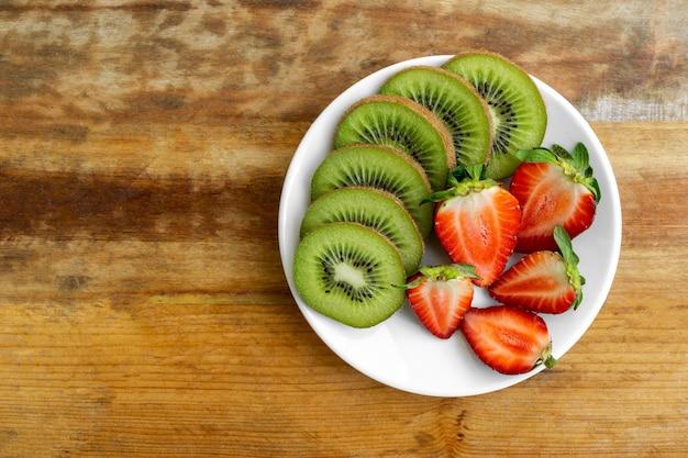 Kiwi, fruit, fraise, nourriture, régime, sain, nourriture, table, bois