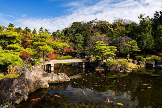 Koko-en garden avec le château de himeji en automne