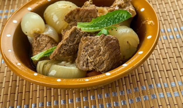 Kuzu mutancana - agneau turc aux légumes et fruits secs