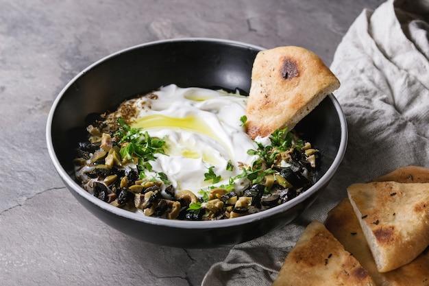 Labneh trempette au fromage à la crème libanaise fraîche