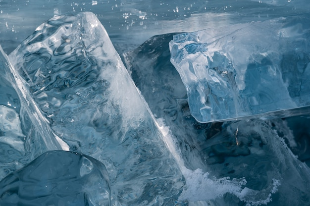 Lac baïkal en hiver en sibérie