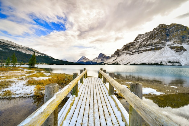 Lac bow, montagnes rocheuses, banff, alberta, canada