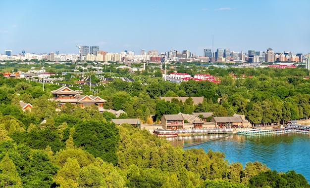 Le lac de kunming vu du palais d'été - beijing, chine