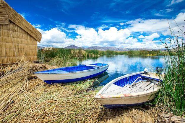 Lac titicaca près de puno, pérou