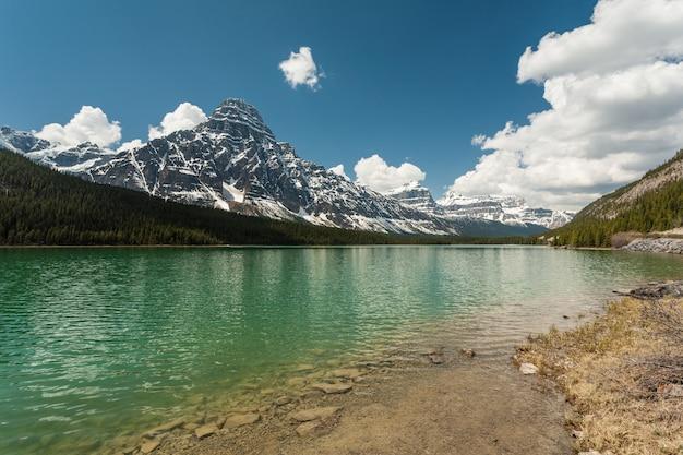 Lacs de sauvagine dans les montagnes rocheuses