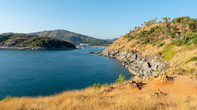 Laem promthep cape, beaux paysages de la mer d'andaman en saison estivale