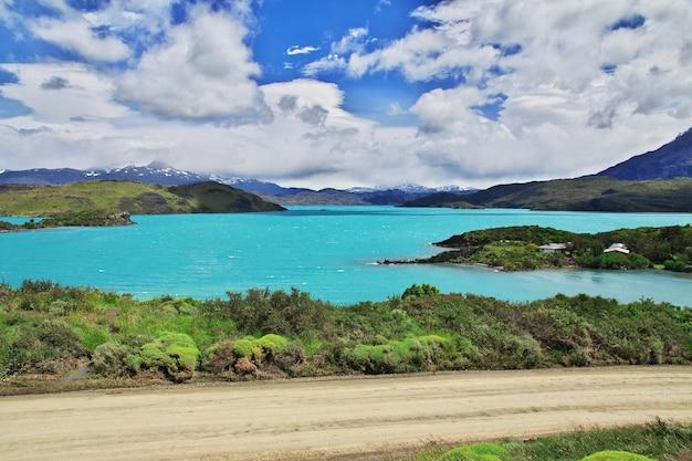 Lago pehoe dans le parc national torres del paine en patagonie, chili
