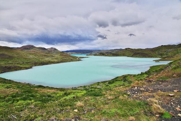Lago pehoe dans le parc national torres del paine