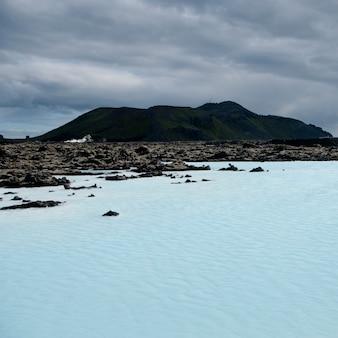 Lagon minéral géothermique