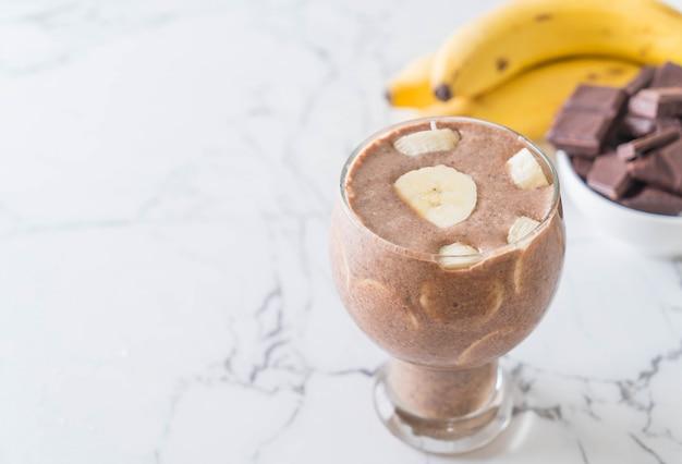Lait frappé au chocolat et à la banane