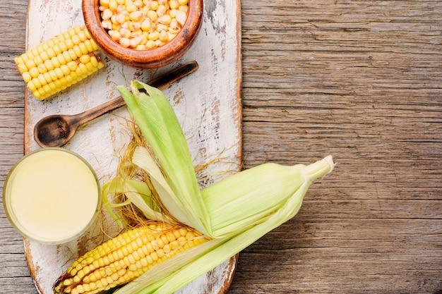 Lait de maïs en verre