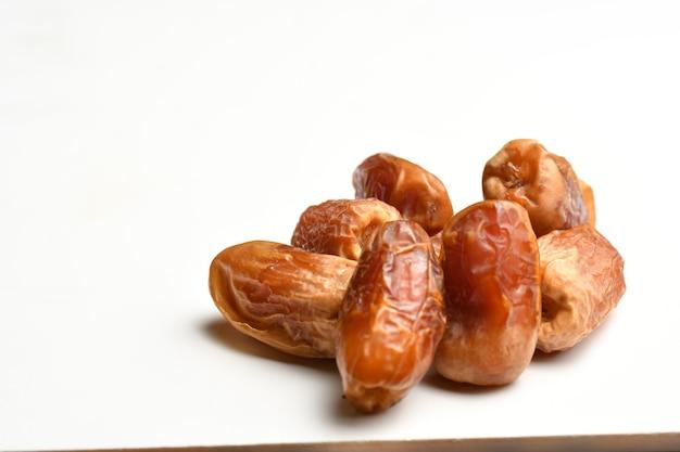 Lakhs est un type de dattes célèbre pour cela dans les régions d'alqatif alqassim alkharj et alhasa