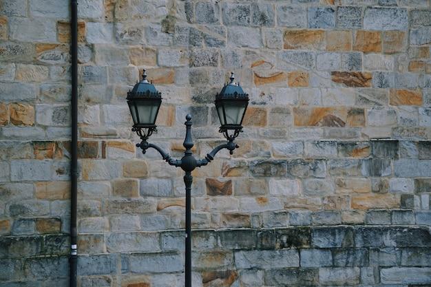 Lampadaire dans la rue