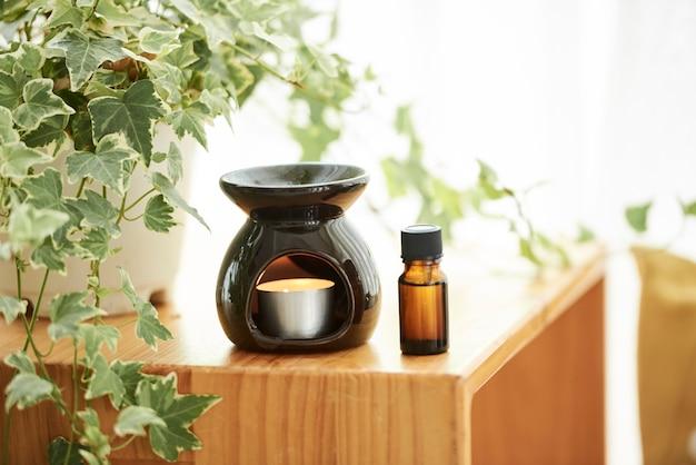 Lampe aromatique et huile essentielle